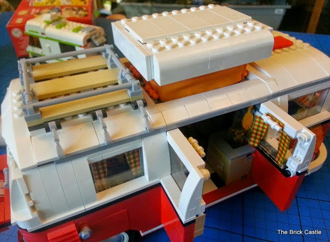 LEGO T1  Volkswagen Split screen Campervan set 10220 review roof rack and pop top and barn doors