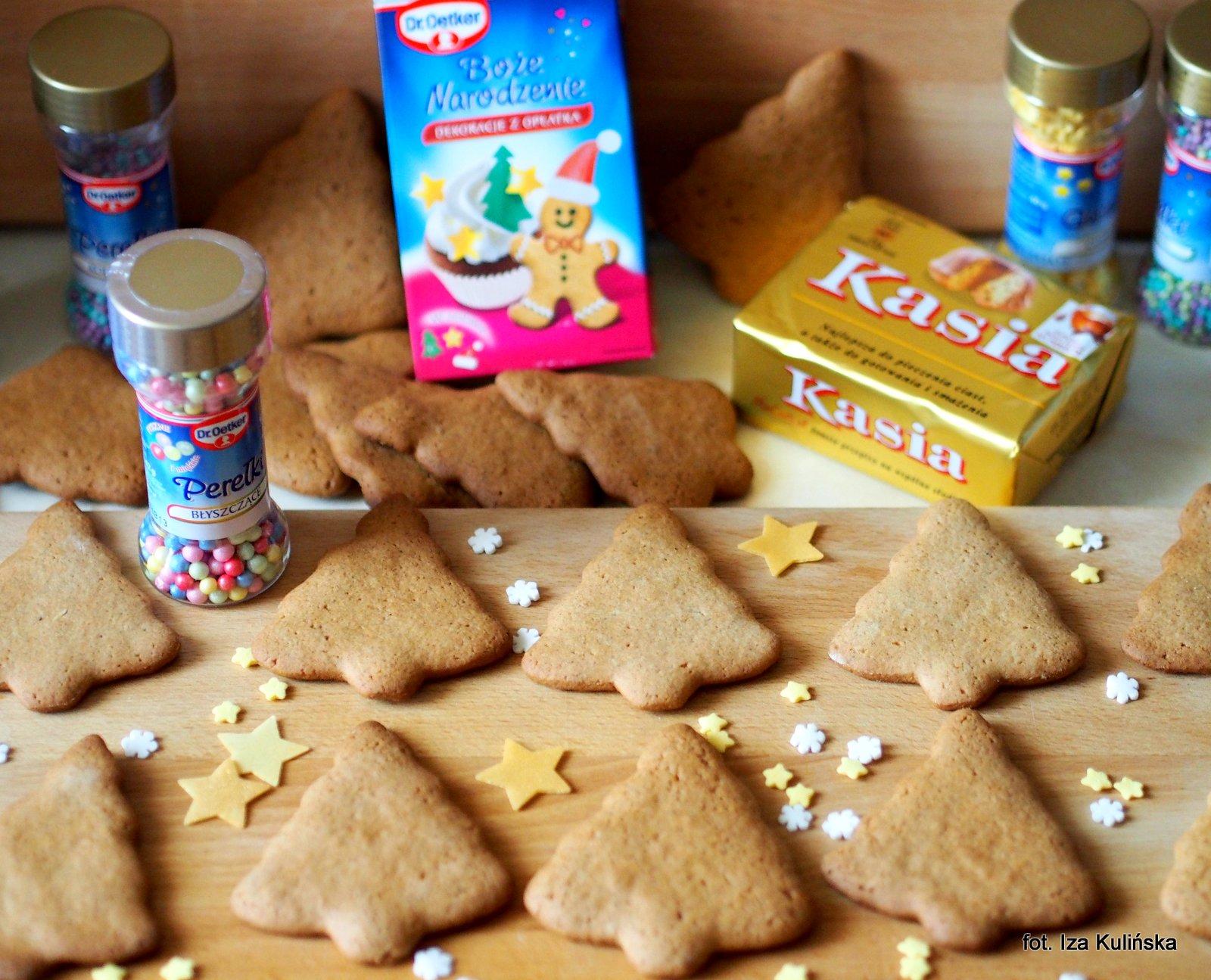 ciasteczka korzenne,  pierniczki, choinki , lukrowanie , święta , desery , boże narodzenie, warsztaty kulinarne , najlepsze przepisy , najsmaczniejsze dania, domowe jedzenie, kuchnia polska, przyprawa korzenna