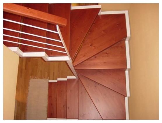 Escaleras de interior a medida escaleras de interiores for Disenos de escaleras para espacios reducidos