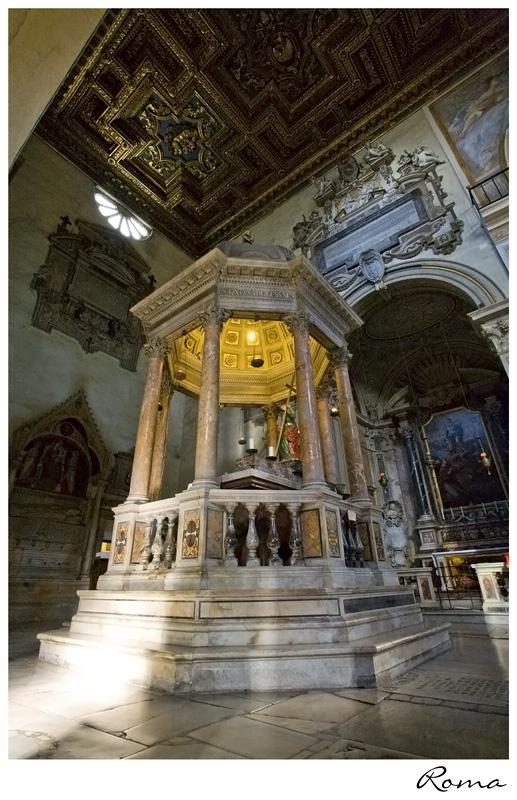 Το ιερό σκήνωμα της Αγίας Ελένης (4) http://leipsanothiki.blogspot.be/