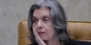 En 2006 fue nombrada en su cargo por el expresidente, el mismo hombre al que decidió rechazarle el recurso de hábeas corpus.