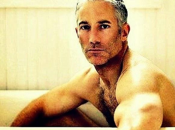 Τι συμβαίνει στους άνδρες μετά τα 40;