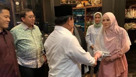 Ahmad Dhani Ditahan, Prabowo Sambangi Mulan Jameela