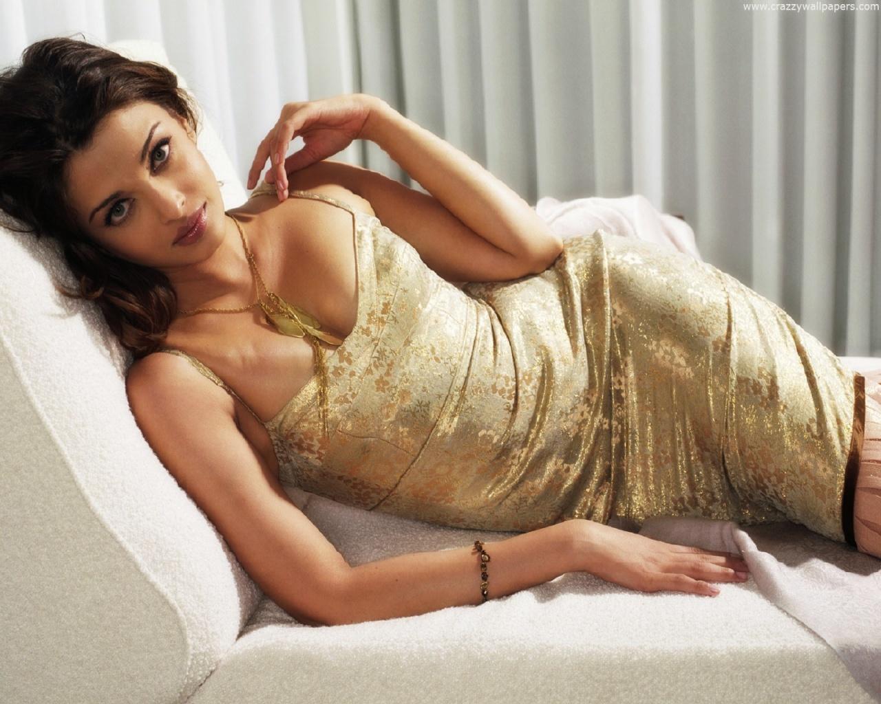 Aishwarya Rai Sexy Naked 70