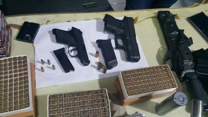 Senpi dan peluru disita dari rumah Aa Gatot Brajamusti