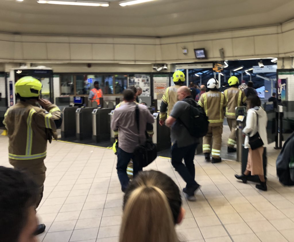 c5e01191750 Morden Underground Station is currently closed due to a fire alert