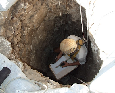 Two skeletons found in Neolithic well