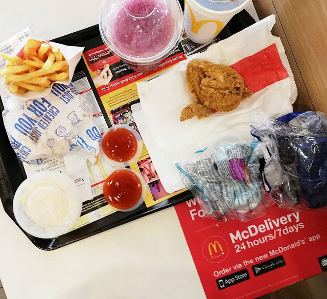 2 Sets McDonald's HAPPY MEALS Untuk Lunch Demi Kid's Toys