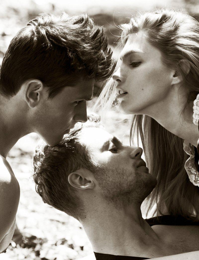 Любовное трио мжм читать, эротика массаж без разрешения
