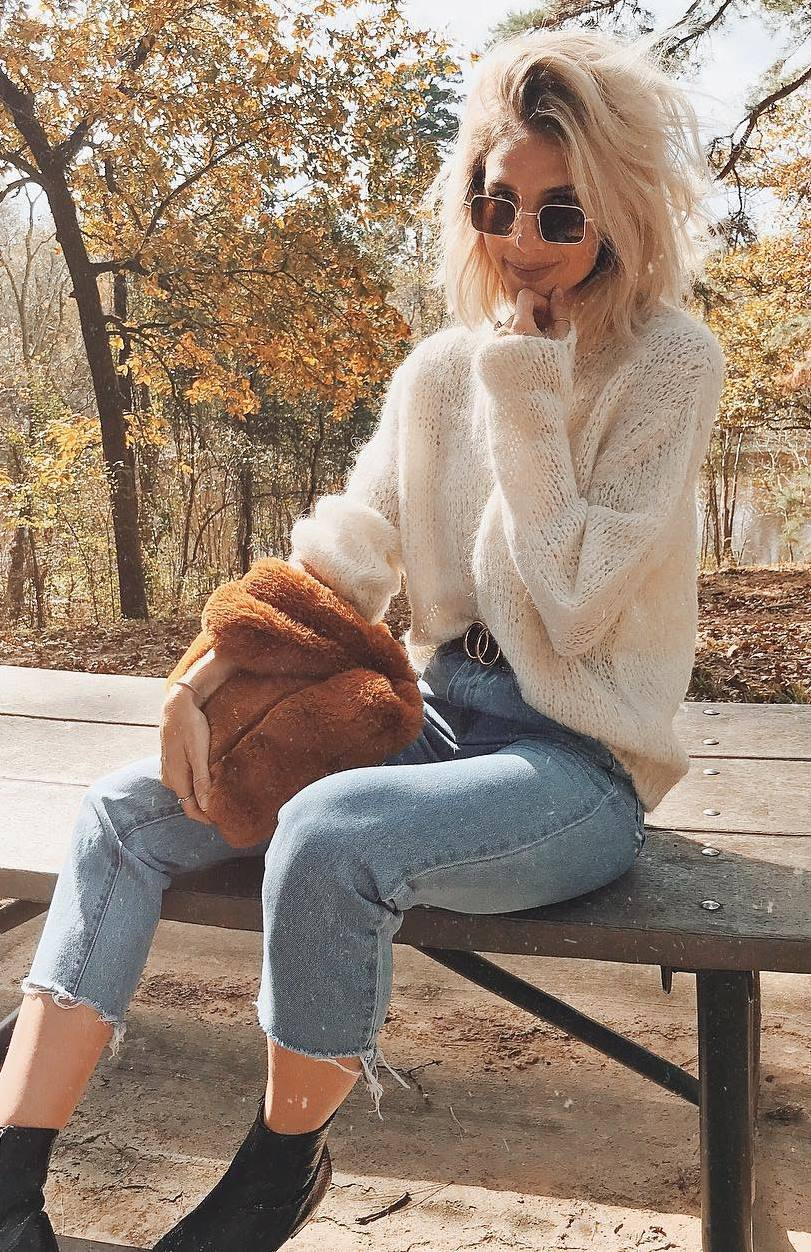 trendy outfit / white sweater + bag  + jeans + boots