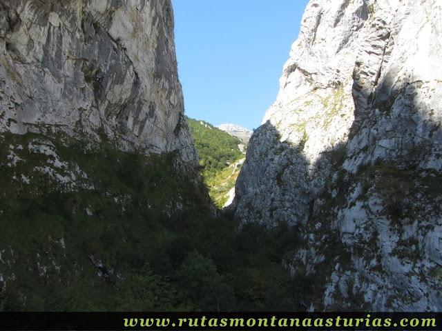 Ruta circular Taranes Tiatordos: Entrada a la Foz de la Escalada