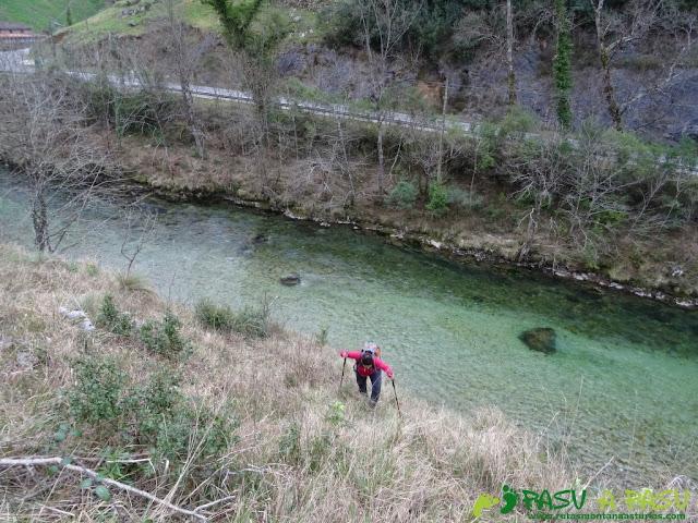 Ruta a la Pica de Peñamellera: Subiendo sobre el río Cares