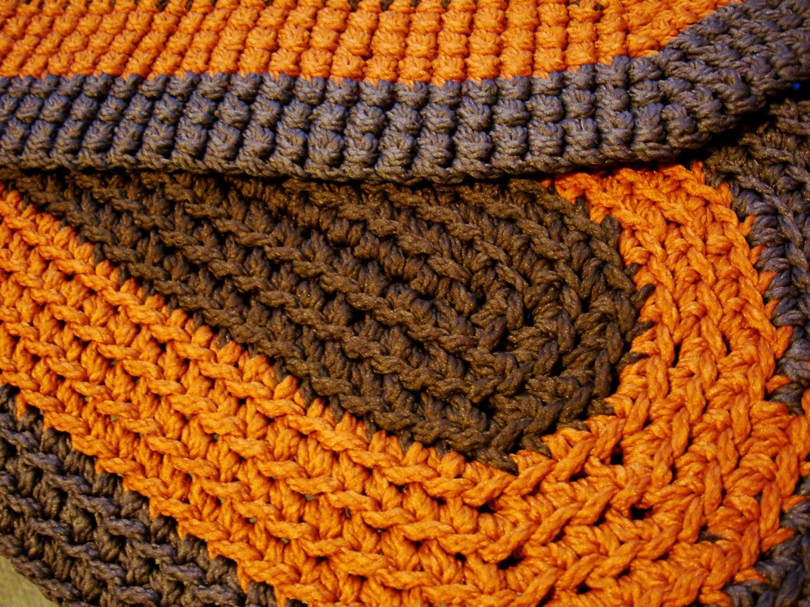 R Anne Dom Free Pattern Crochet Oval Rug