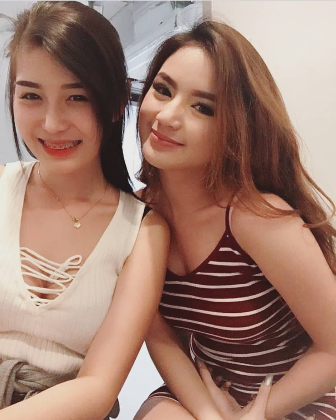 ABG Cantik Jomblo Cari Jodoh - Wanita Indo