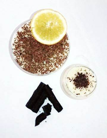 Vanilla and orange - flavoured blancmange Sprinkled with grated dark chocolate