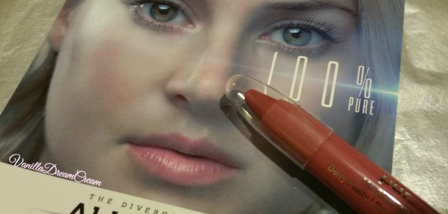 a nude lip color inspired by shailene woodley from the divergent series