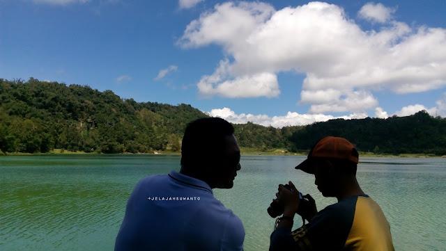 Father & son Danau Linow, Tomohon, Sulawesi Utara +jelajahsuwanto