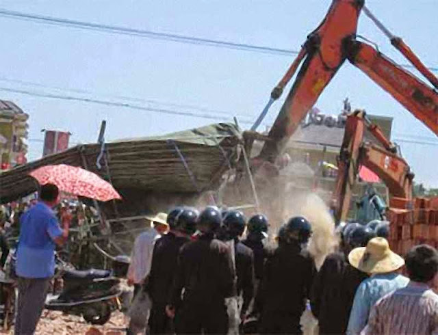Governo derruba com bulldozer igreja declarada 'ilegal'