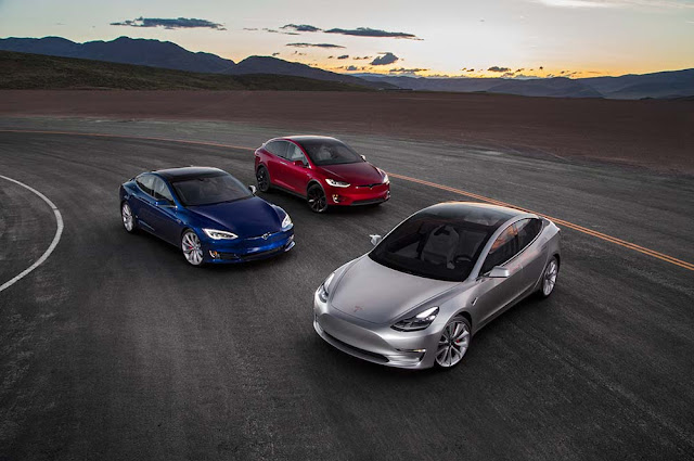 tesla-model-3-delivered-to-first-30-buyers-Tesla-Model-3-Review-Specs-Price