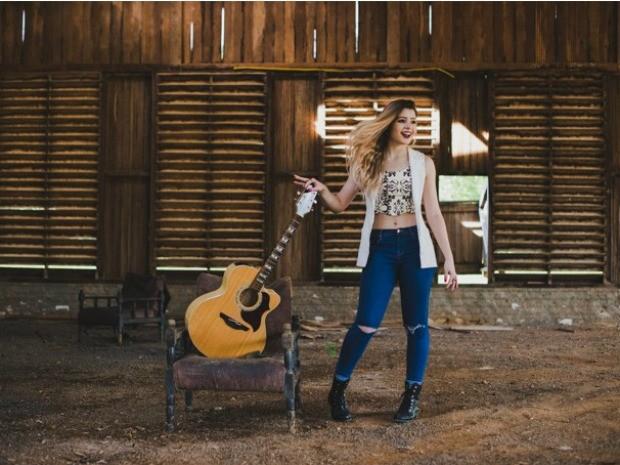 Clipe de cantora de RO alcança mais de 600 mil visualizações na internet