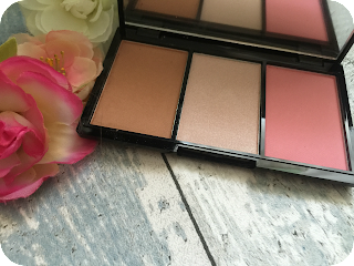 makeup revolution iconic blush and brighten smoulder palette review