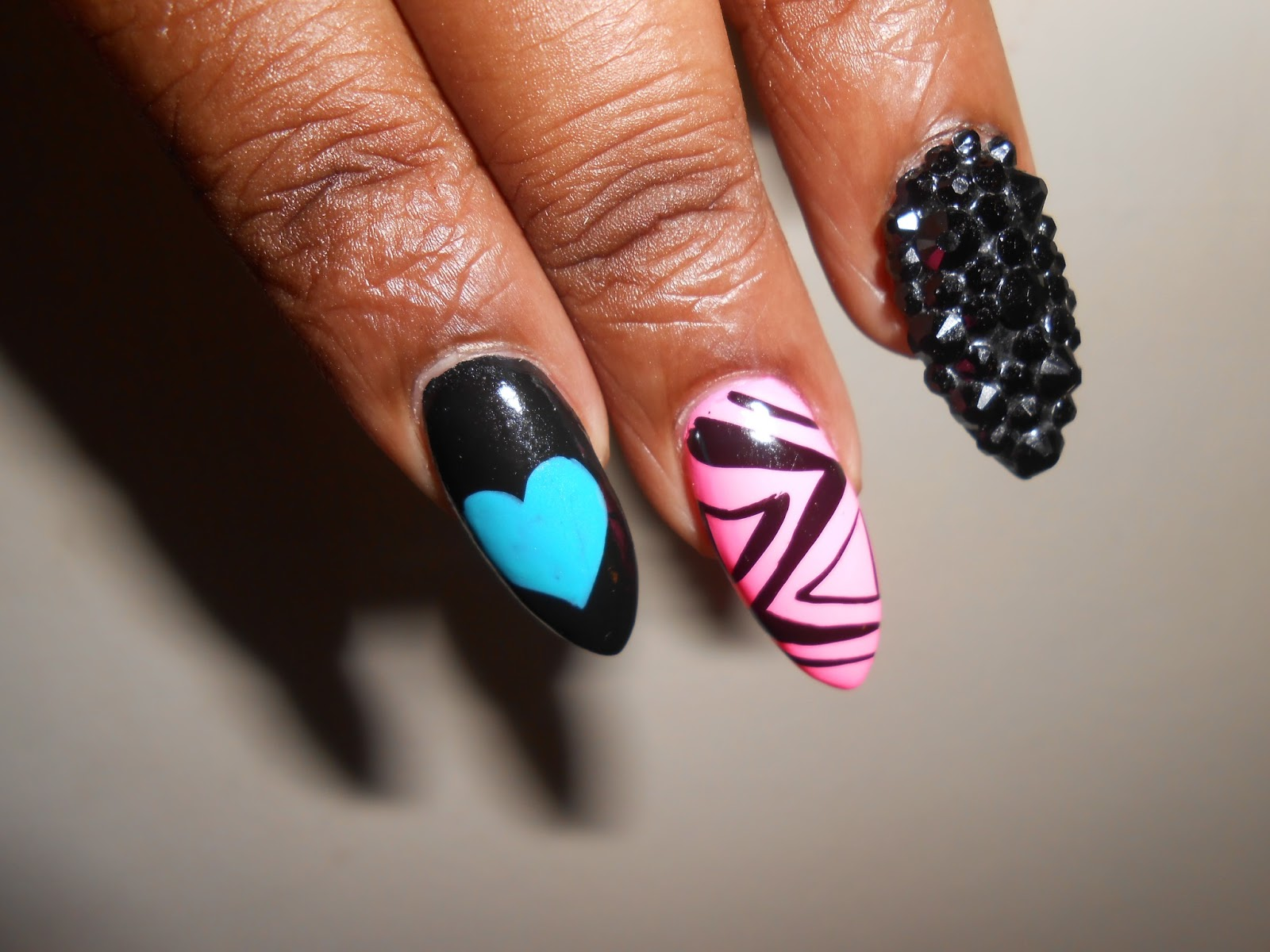 Custom Nails Easy to Make