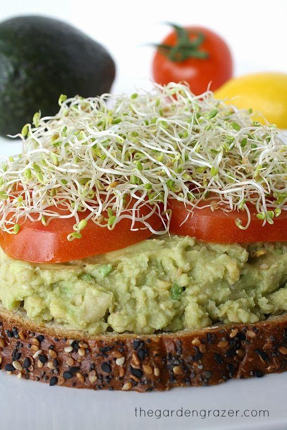 Chickpea Avocado Mash with Lemon #chickpea #avocado #mash #lemon #vegan #veggies #veganrecipes