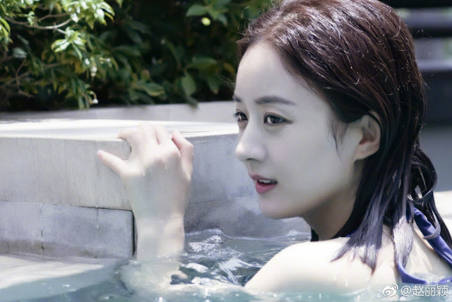 Zhao Liying swimming