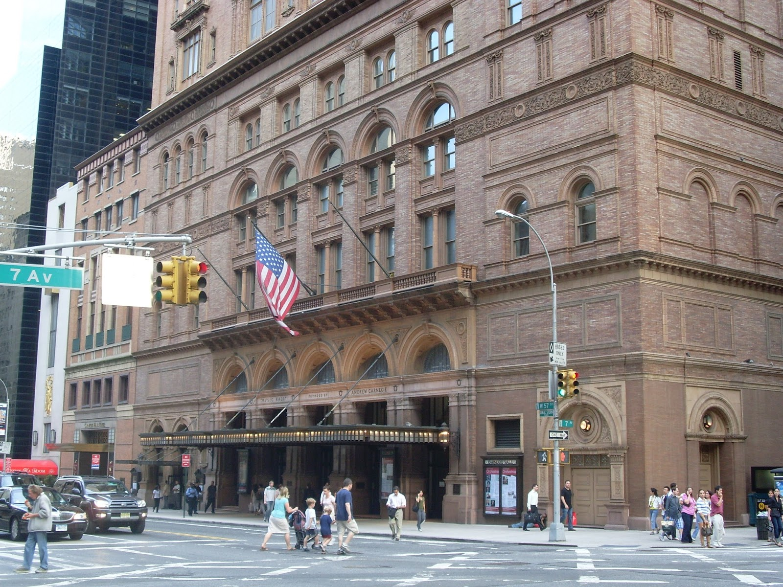 carnegie hall Enjoy live concerts by world famous performers, award shows, special events, stand-up comedy, and music and dance recitals at carnegie hall nyc.