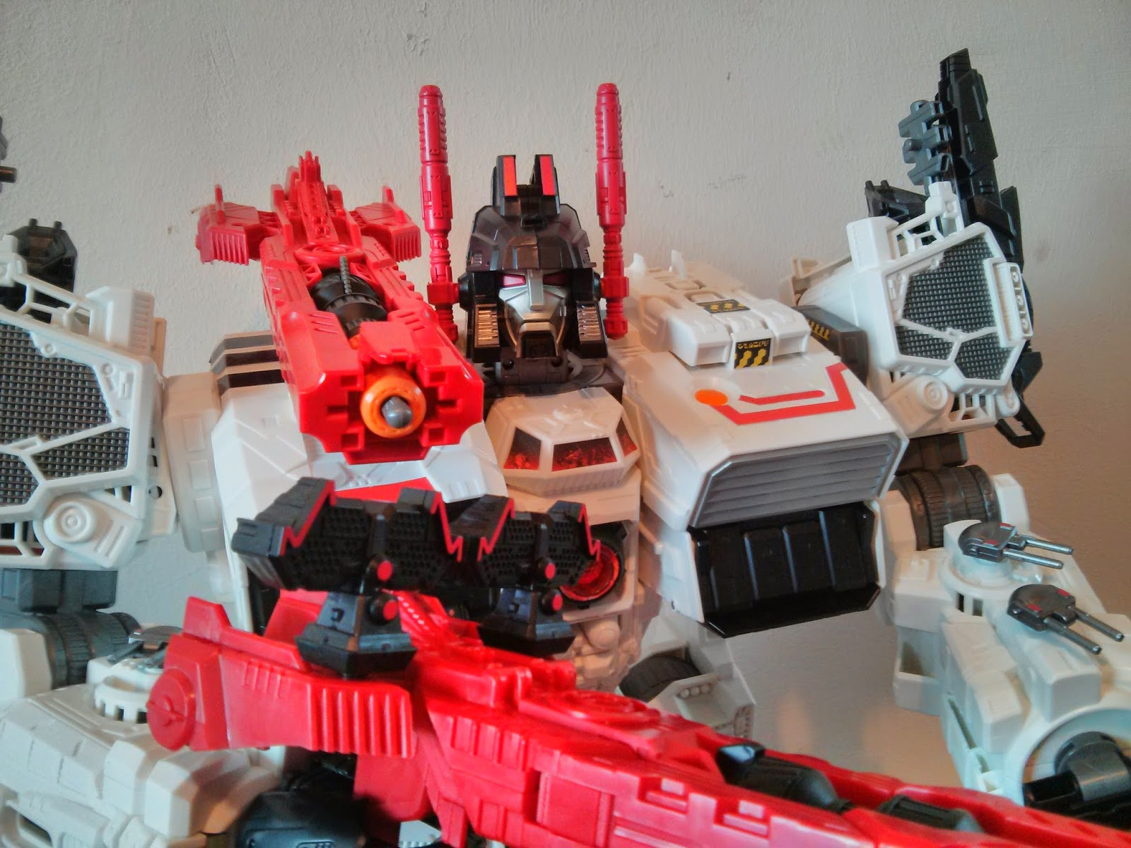 new head and weaponary for metroplex