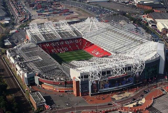 O que acontece em Old Trafford?