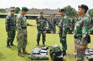 Pangdivif 2 Kostrad Tinjau Kesiapan Satgas Yonif Para Raider 503 Kostrad