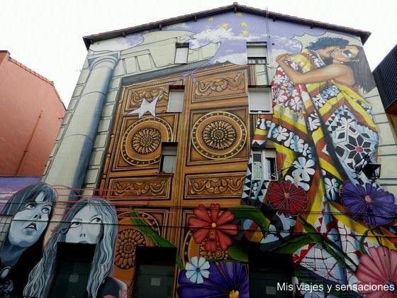 Cubierto de cielo y estrellas, murales de Vitoria, País Vasco