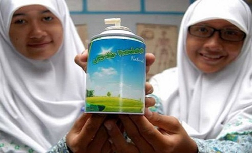 Indonesian students create eco-friendly deodorant from cow