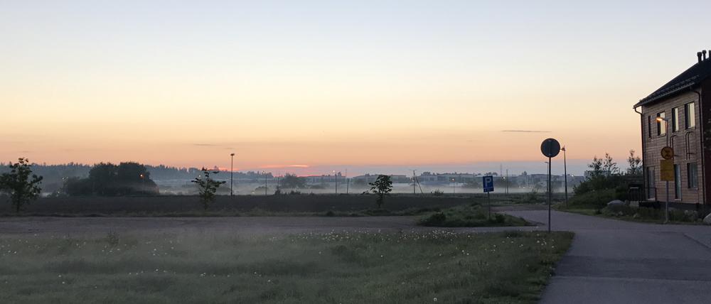 Kaupunkipyörällä auringonlaskusta auringonnousuun 30