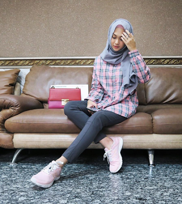 style kemeja flanel wanita hijab