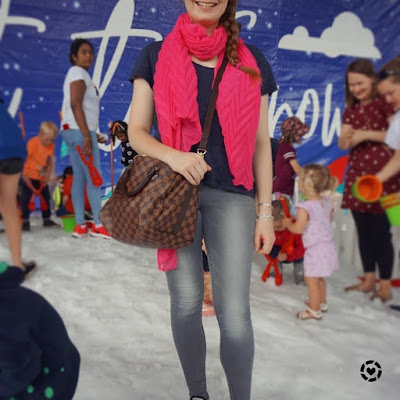 awayfromtheblue instagram | snow outfit jeanswest cecile skinny grey jeans navy tee hot pink scarf and louis vuitton neverfull