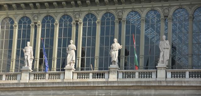 Central Station Budapest windows