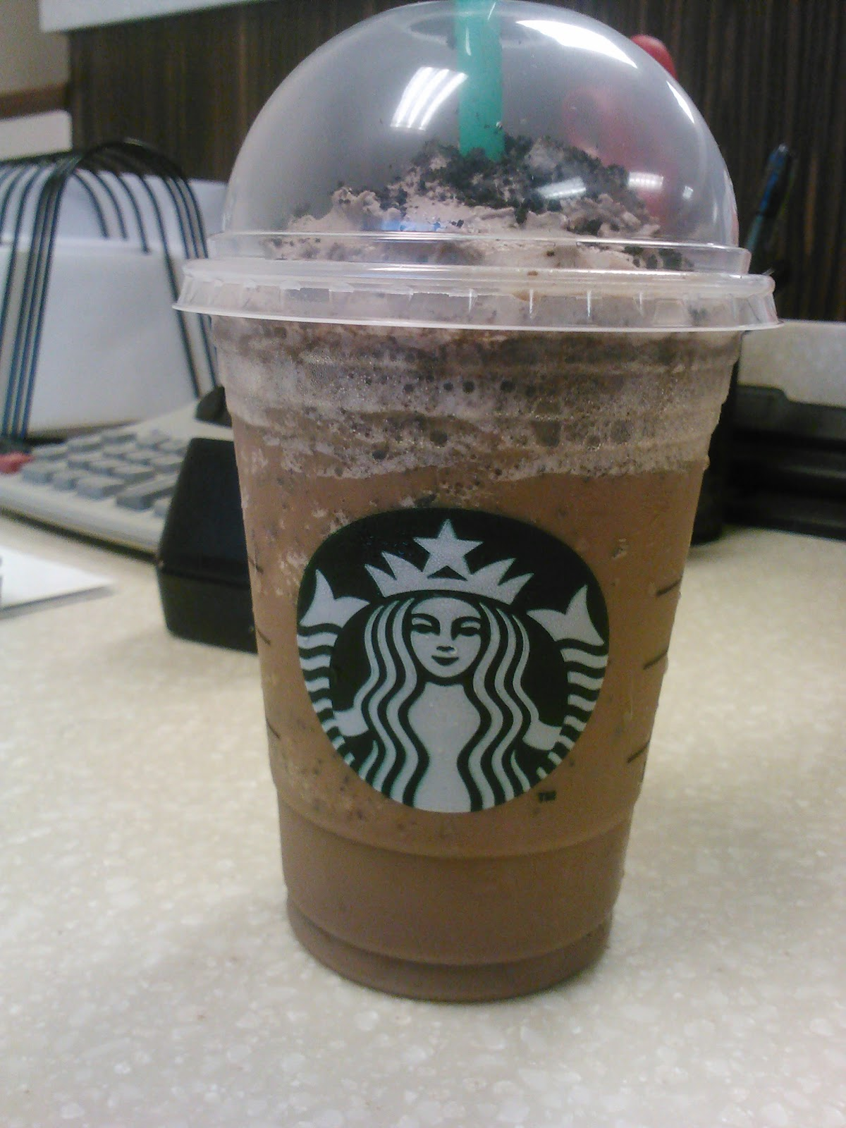 Starbucks Mocha Cookie Crumble Frappuccino Review