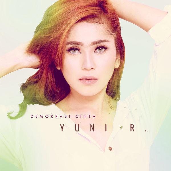 Lirik Lagu Yuni Rahayu - Demokrasi Cinta (Roy. B Radio Edit Mix)