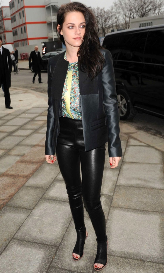 have a style how to wear the leather pants ���