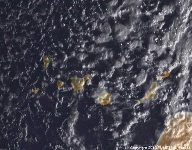Curiosa foto tomada por satélite del temporal en canarias, febrero 2016