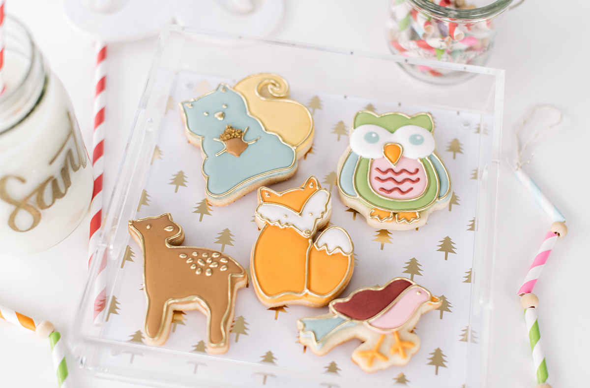 I really want to learn how to make decorated cookies. Until I have time to take some workshops I am going to try to learn how to do it by watching Emma's Sweets YouTube videos.