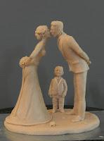 statuine personalizzate da colorare coppia bacio e bambino orme magiche