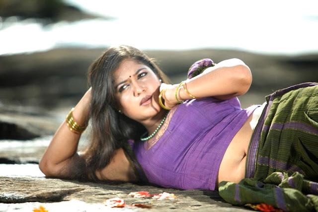 Malayalam actress Meghna Raj navel show
