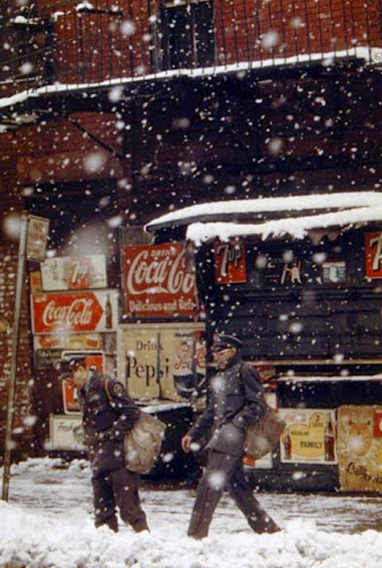 http://tsutpen.blogspot.com/2016/05/saul-leiter-and-city-5.html