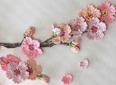 wzory kwiatków szydełkowych