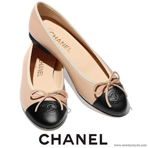 Meghan Markle wore Chanel Leather Ballerina Flats Beige and Black