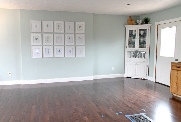 Living Room before crown molding
