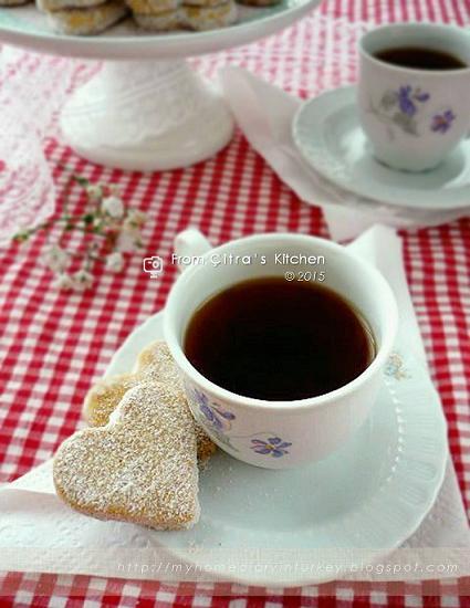 Speculaas butter cookies / Butter kukis dengan bumbu spikoek| Çitra's Home Diary. #speculaas #cookies #buttercookies #bumbuspiku #spicecookie #kuekering